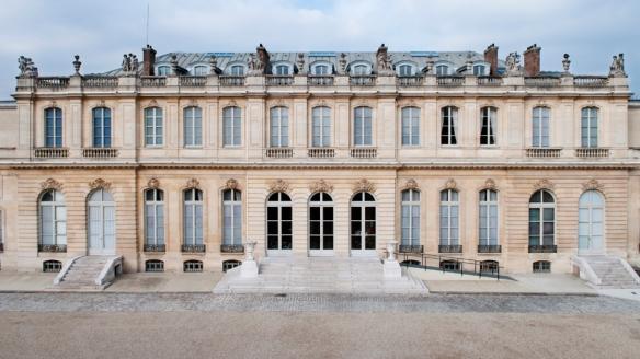 22/02/2011 : Hôtel de Lassay façade et cour d'honneur - vue de la nacelle